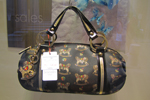 italian-luxury-handbag-as-an-anniversary-gift