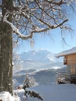 winter-cottage-for-romantic-getaways