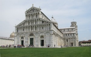 Romantic-holiday-in-Pisa